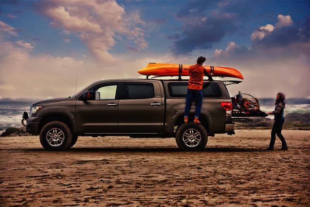 Leer Camper Shells - Custom Truck Accessories