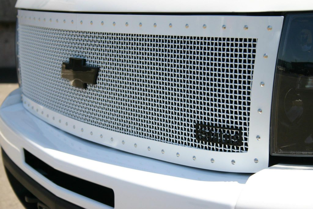 Status Grill Chevy - Custom Truck Accessories